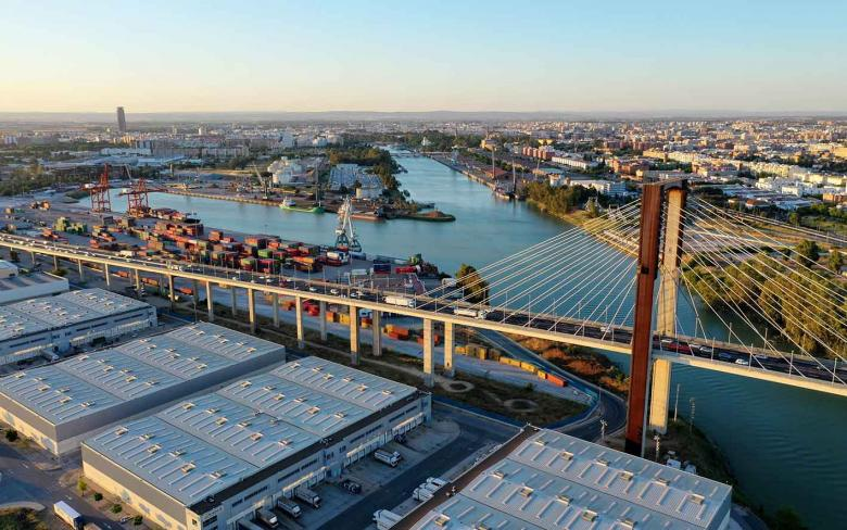 The Port of Seville, with SENER's key participation, leads a European innovation project to integrate sea and land transport
